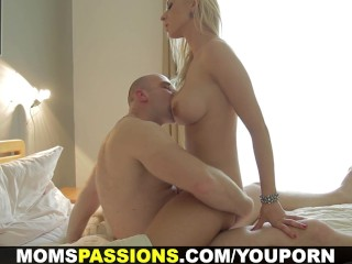 Moms Pneuma - Roguish Coition About Gaffer Mom